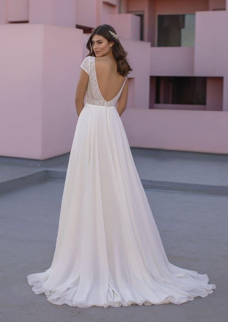 Robe de mariée Olek en gaze avec bustier en coeur - White One