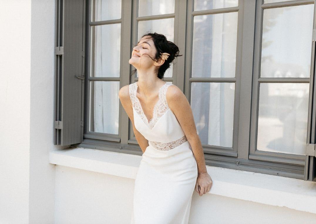 Robe de Mariée Athena décolleté en V - Lambert Créations