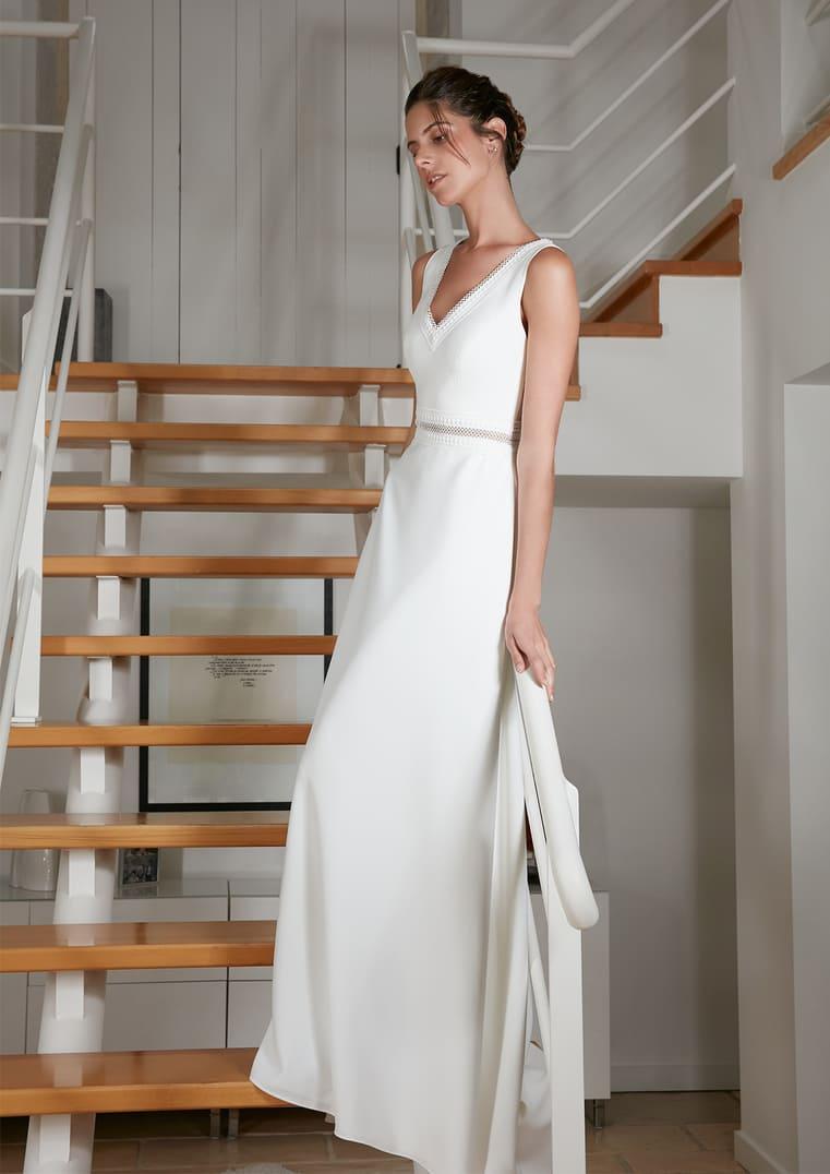 Robe de mariée Rosebury avec décolleté en V - Bochet Créations
