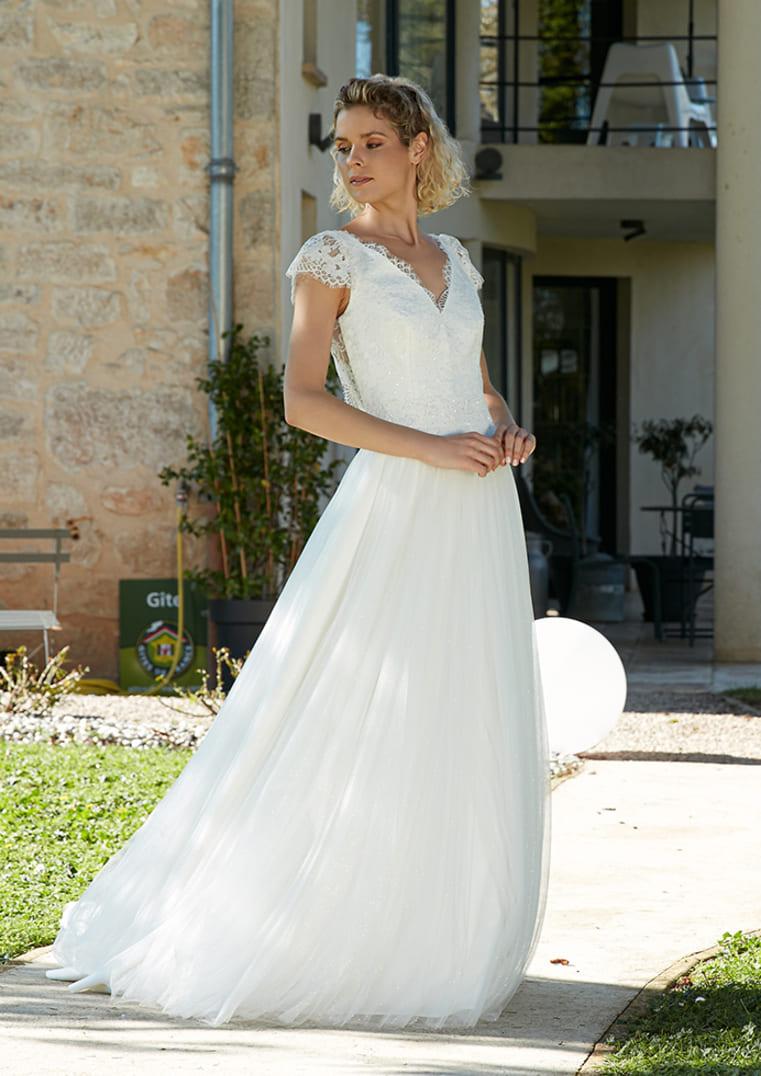 Robe de mariée Rosilda avec décolleté en V - Bochet Créations