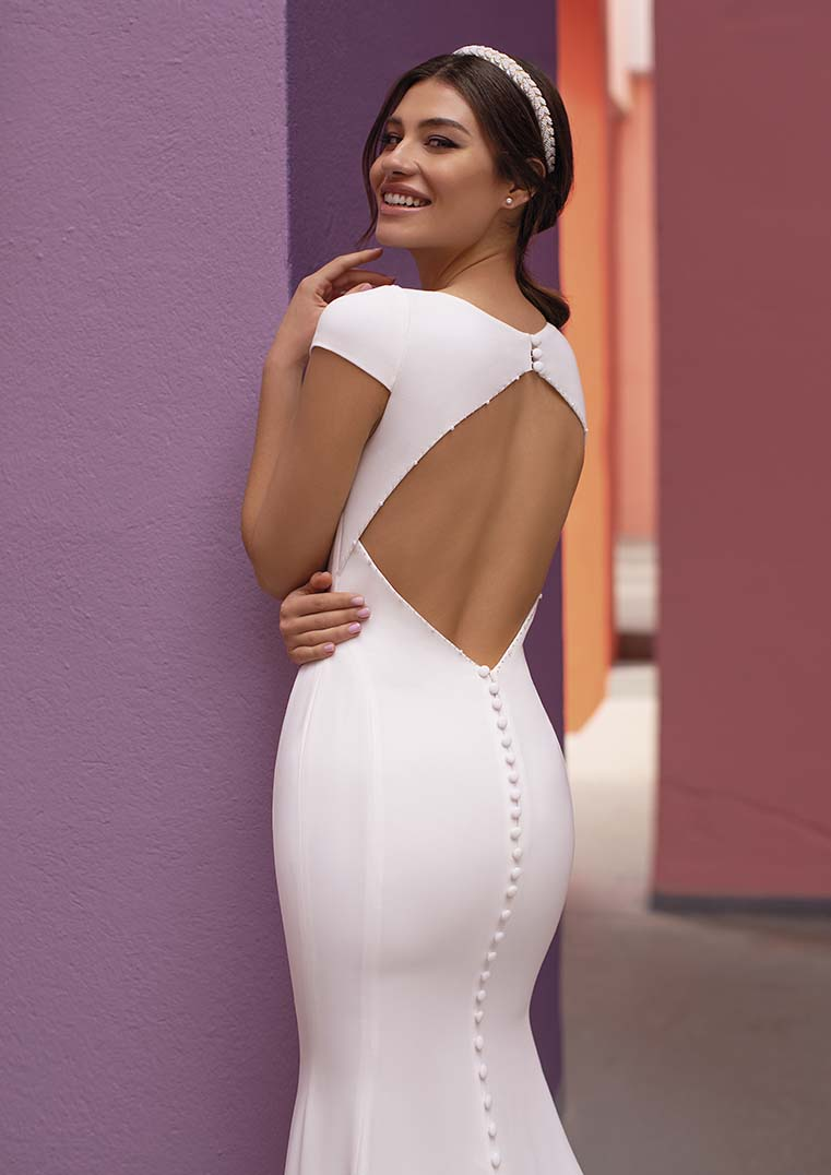 Robe de Mariée Shasta jolie découpe dos - White One