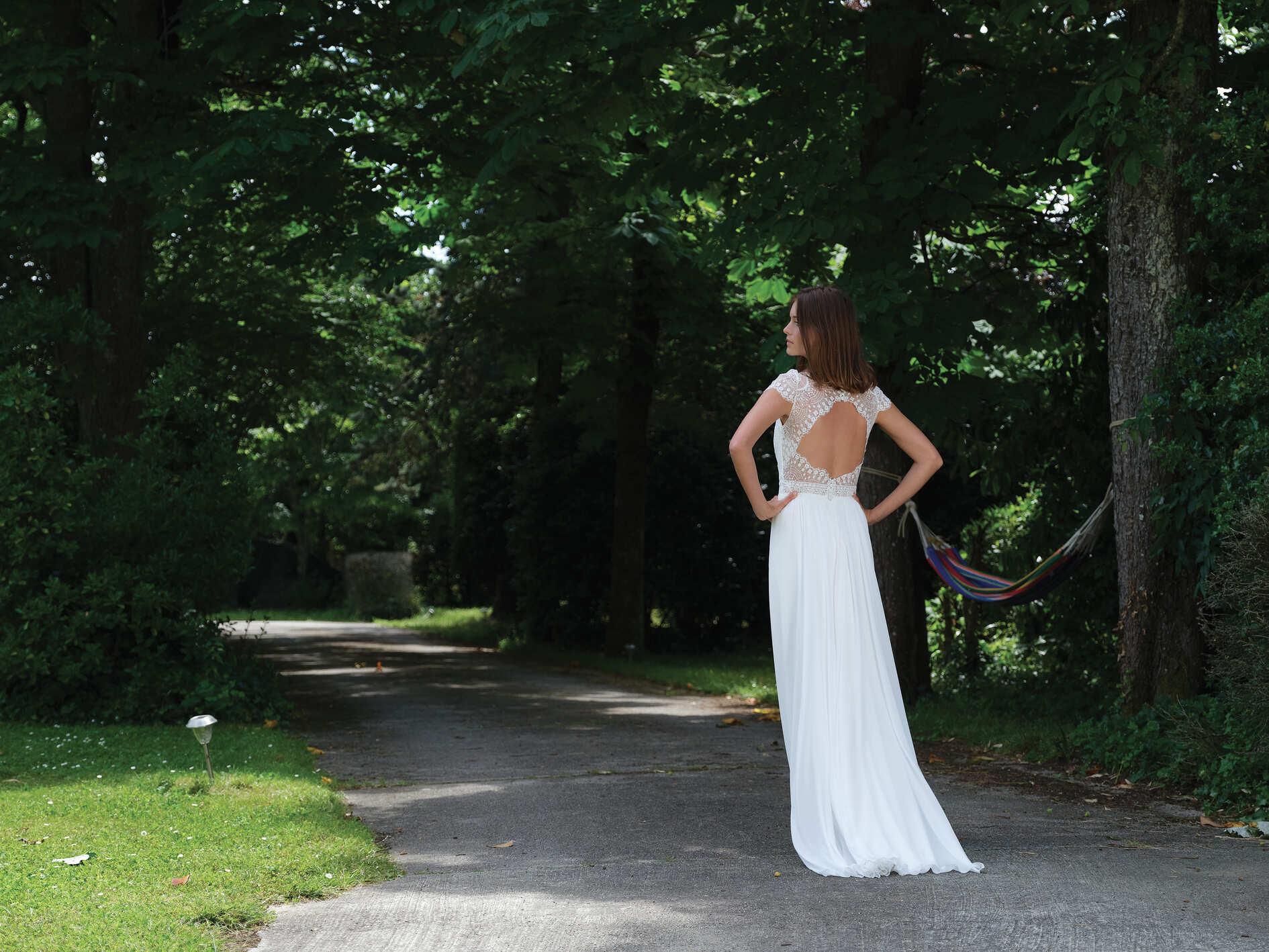 Robe de mariée Stand Up dos - Bochet Créations 2022